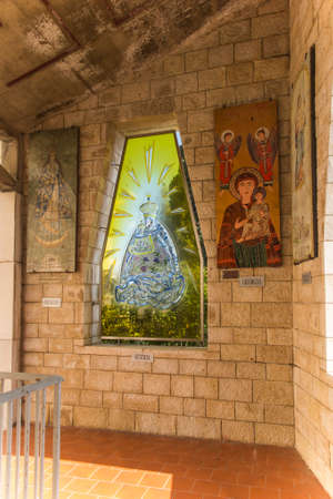 NAZARETH, ISRAEL January 26, 2020; A Mosaic donated by the people of Austria, one of the mosaics offered by different nations, in the Church of Annunciation, in Nazareth, Israel 新聞圖片