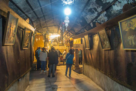 Bethlehem, Palestine - January 28, 2020: The traditional site of the birth of Jesus in Bethlehem's Church of the Nativity, Bethlehem, Palestine on January 28, 2020. 新聞圖片