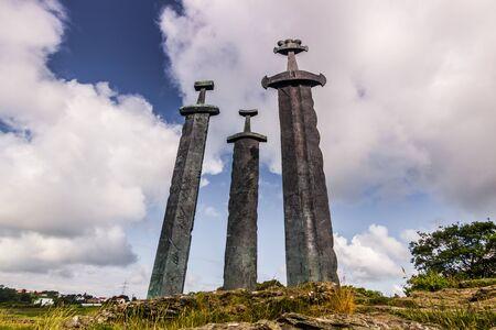 Sverd I Fjell、スタヴァンゲル、ノルウェーのバイキング記念碑 写真素材