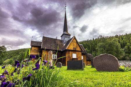 wood staves: Kvikne Church, Norway