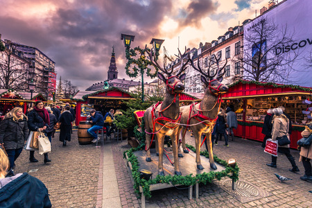 中央コペンハーゲン、デンマークで 2016 年 12 月 5 日: クリスマスの市場 報道画像