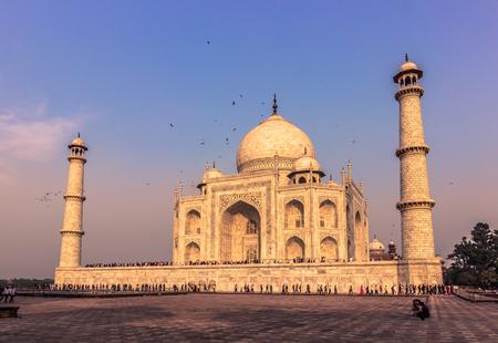 islamic wonderful: November 02, 2014: Sideview of the Taj Mahal in Agra, India