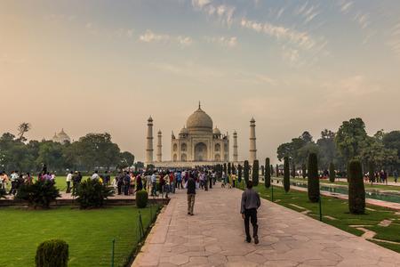 islamic wonderful: November 02, 2014: Panorama of the gardens of the Taj Mahal in Agra, India