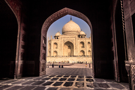 mughal empire: November 02, 2014: Archway from a mosque to the Taj Mahal in Agra, India