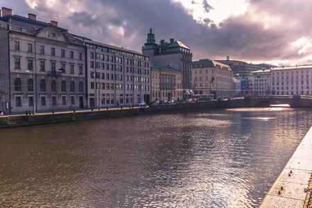 ヨーテボリ、スウェーデンのヨーテボリ, スウェーデン - 2017 年 4 月 14 日: 運河 報道画像