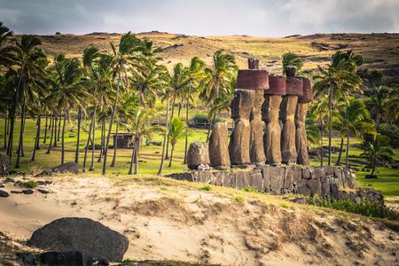 Anakena beach, Easter Island - July 10, 2017: Moai altar of Anakena beach, Easter Island 스톡 콘텐츠