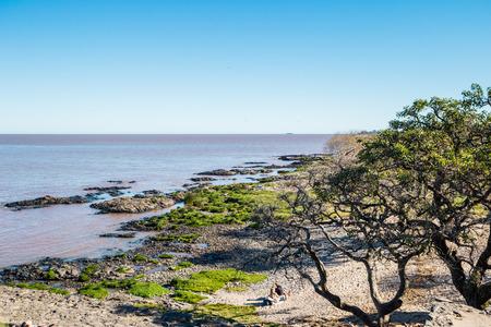 Colonia Del Sacramento - July 02, 2017: Coast line of Colonia Del Sacramento, Uruguay Imagens