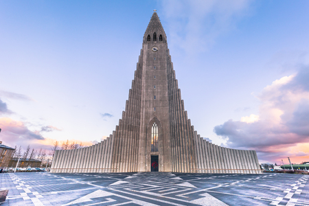 Hallgrimskirkja church in the center of Reykjaivk, Iceland 스톡 콘텐츠