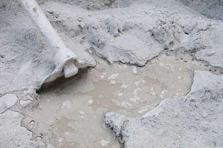 spade and wet cement image for construction process Stock Photo - 12744984