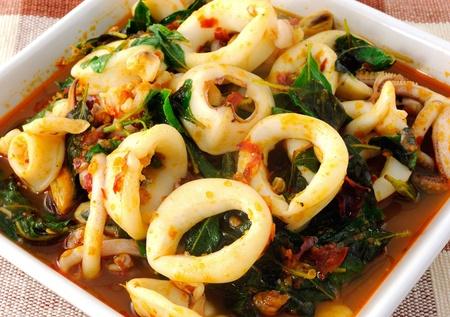 calamares: Tailandia La comida picante curry Calamar