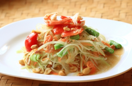 Green papaya salad thai cuisine spicy delicious  Stock Photo - 14646991