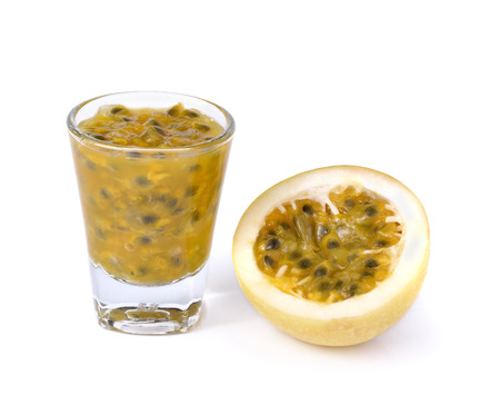 jugo de frutas: Fruta de la pasi�n y el jugo de fruta de la pasi�n.