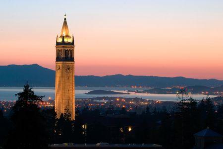 Berkeley University Sather Tower, California 版權商用圖片