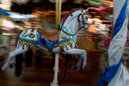 panning effect to Carrousel Horse