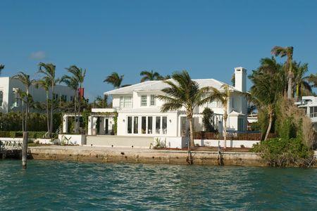 Duurdere huizen uit Miami in mijn portefeuille Stockfoto - 934196