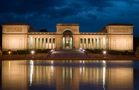 The Legion of Honor, San Franciscos most beautiful museum, displays an impressive collection of 4,000 years of ancient and European art in an unforgettable setting overlooking the Golden Gate Bridge Stock Photo
