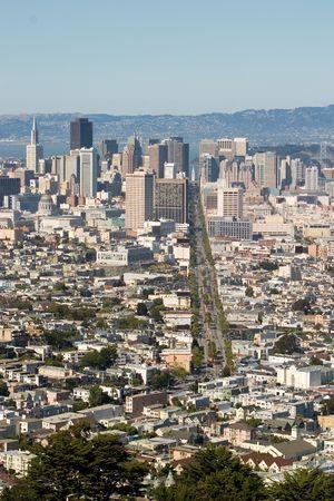 Twin peaks, provides sweeping views of the Golden Gate Bridge, Alcatraz, Angel Island, Yerba Buena Island, Berkeley, Oakland, Downtown San Francisco and much of the San Francisco Bay and beyond Stock Photo - 959895