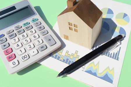 calculator home pen graph green Stok Fotoğraf