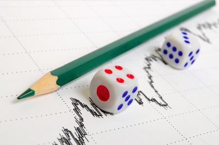 analog�a: Tendencia al alza y una tendencia positiva en la tabla de valores. Foto de archivo