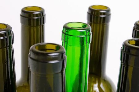 leere flaschen: Leere Flaschen Wein auf einem hellen Hintergrund.