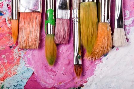 papel artesanal: color colorida mezcla paleta con muchos pinceles y �rea de texto Foto de archivo
