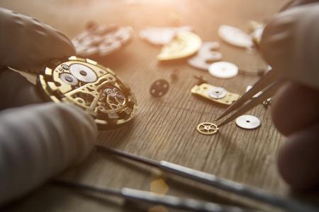 Process of installing a part on a mechanical watch, watch repair Standard-Bild