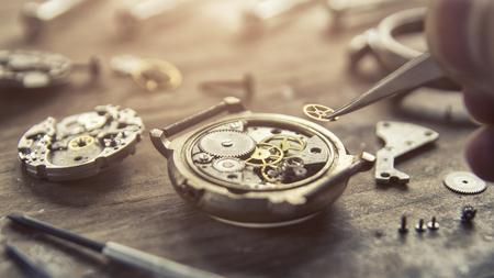 Montre mécanique, gros plan, engrenages, réparation de montres mécaniques Banque d'images