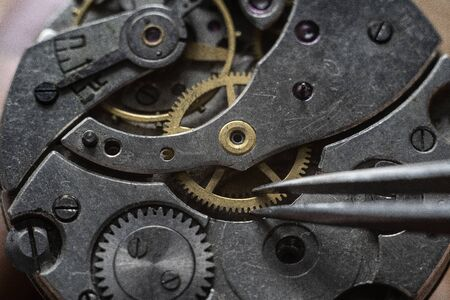 Process of instaling a part of mechanical watches