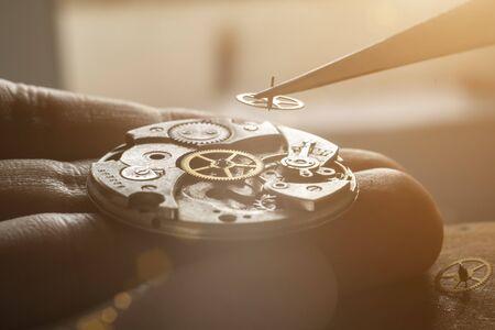Mechanical watch repair, watchmaker's workshop Imagens