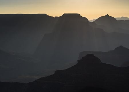 filtered: Filtrado Luz en Gran Ca��n Salida del sol