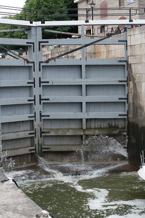 canal lock: Lock Gate on the Redeau Canal in Ottawa, Canada