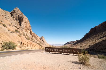 Entrance Sign in Valley of Fire State Park in Nevada Reklamní fotografie