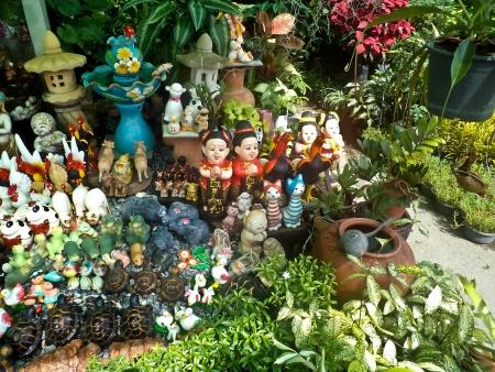 decorate: garden decorate
