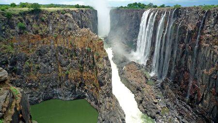 cascade: Victoria Falls