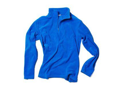 Leeres blaues Fleece-Sweatshirt mit Reißverschluss und langen Ärmeln isoliert auf weißem Hintergrund. Design Pullover, Vorlage und Modell für den Druck. Hype Modemagazin Foto Urban Style Vorlage Sport Winterkleidung