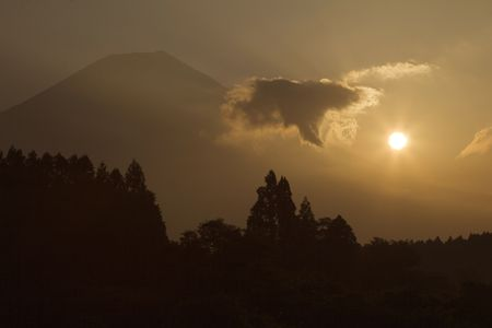 Sunrise with Mount Fuji and cloud Stock Photo - 579659