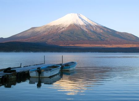 Early morning lakeside view of Mount Fuji Stock Photo