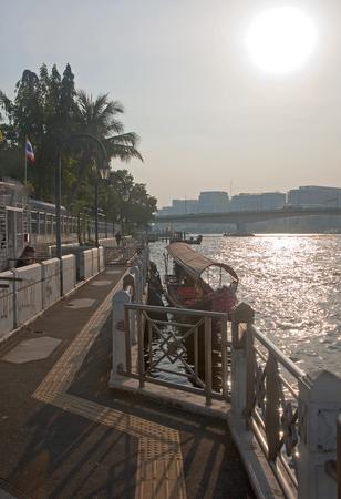 bridging: View of the Chao Phraya river in Bangkok - Thailand
