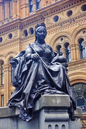 queen victoria: Bronze Statue of Queen Victoria in center of Sydney (Australia)