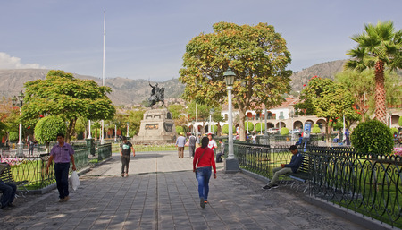 puna: AYACUCHO, PERU - NOVEMBER 6, 2015: Monument on the Plaza de Armas on 6 November 2015 in Ayacucho, Peru.  Plaza de Armas it is the main square of the city Editorial