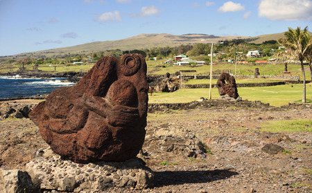 moai: Easter Island, Chile - old moai statues on the waterfront Foto de archivo