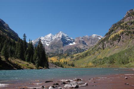 Maroon Bells and Maroon Lake in Autumn Stock fotó