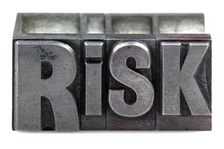 osare: La parola di rischio nei vecchi blocchi di stampa Stampa tipografica isolato su uno sfondo bianco. Archivio Fotografico