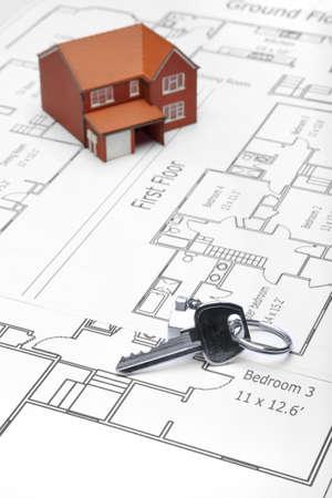 prefabricated buildings: Un modelo de casa y casa palabra clave en los planes arquitect�nicos.