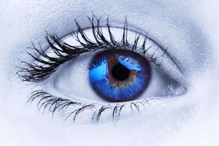 Abstract close-up foto van een vrouw blauw oog