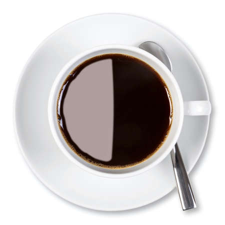Overhead photo of a cup of black coffee, isolated on a white background  Stockfoto