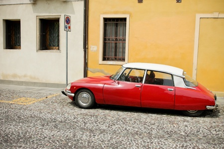 Red Beauty - Citroën DS