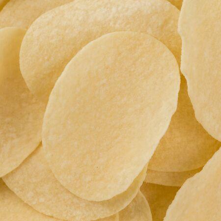 preparaba: Preparado patatas fritas chips snack vista de detalle sobre fondo blanco Foto de archivo