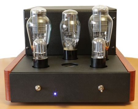vacuum tube amplifier with 300B triodes Stock Photo - 5558170