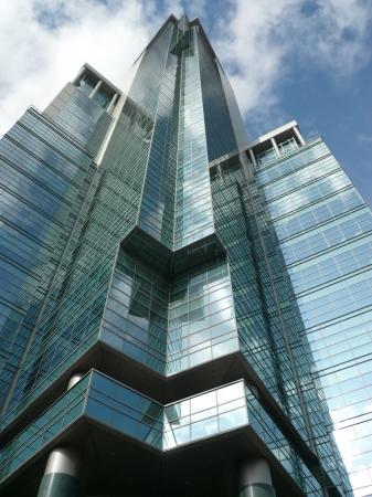 事務所の日に建物のエッジ 報道画像